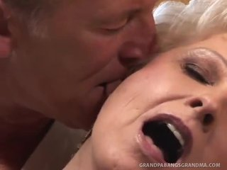 Bbw oma champagne groot dicked