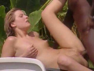 alle interraciale porno, plezier buiten- neuken, ideaal blond thumbnail