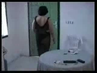 Arab äiti ja two nuori boys kotitekoiset video-