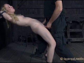 Torturing a maličké sweetheart