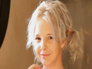 Rakning av vackra 21yo blondin fittor
