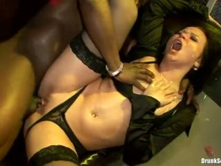 Bibi Fox And Lusty Ladies Let The Man Lay Tthis Lad Tube In