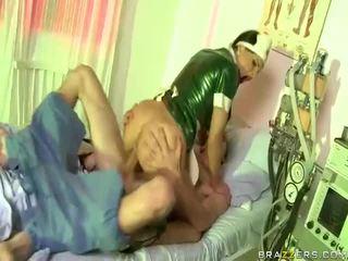Video của y tá has giới tính với dude