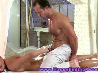 Centerfolds enjoys massaž from her eager masseur