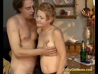 Vecāks skaistule gets grūti fucked