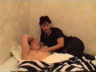 Māte wakes dēls par sekss
