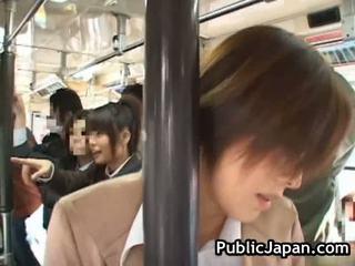 الآسيوية فتاة has جمهور الاباحية داخل قطار