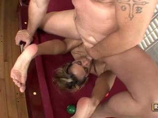 Halia hill getting banged 에 그만큼 billiard 테이블
