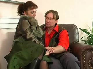 Dude catches pieauguša masturbācija un fucks viņai