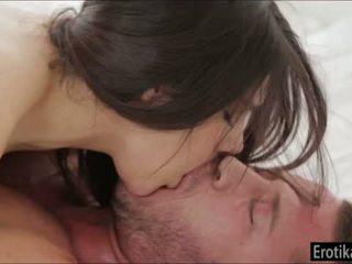 Dögös valentina nappi enjoys wakeup szex