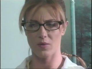 Brittney skye rides enormt hård kuk och rubs henne het våt fittor till hon cums