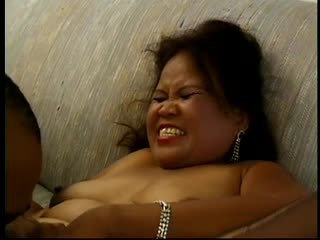 ホット 大きな美しい女性 成熟した アジアの sarah works a ディルド と gets plowed