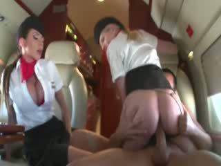 Stewardesses a montar um customers caralho