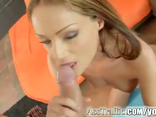 Sophie lynx gets analinis pakliuvom ir swallows sperma