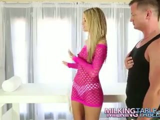 Jessa rhodes gets bir olgun anal altında the milking tablo