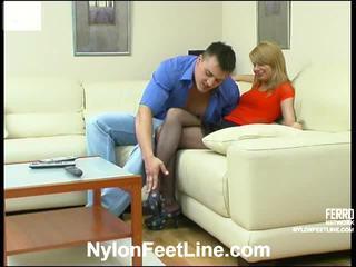 Alice и nicholas чорапогащи footsex действие