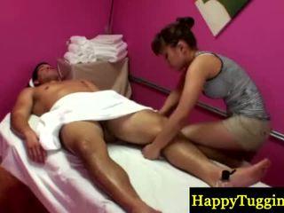 Asiansex masseur strips να τρίψιμο του καβλί