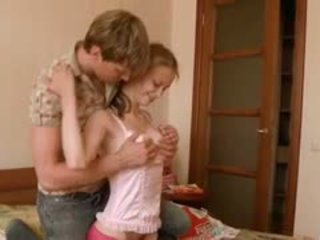 Beata lapsehoidja awaiting tema boyfriend