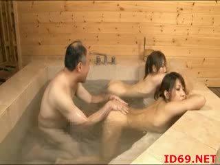 Jap AV Babe pees