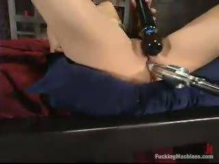 Sarah blake has got laid przez a mighty screwing device w a cellar