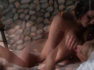 controleren kut likken, lesbische seks scène, kut vingeren