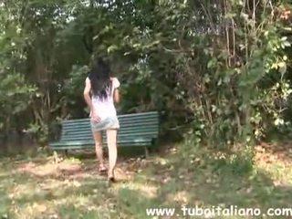 brunette mov, amatoriale neuken, meer italiaans scène