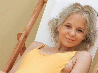 Mladý blondýna násťročné monroe filthy siesta časť 1