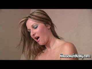 Housewife Kelly - Hot Wife Swapping
