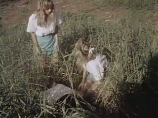 Jacy allen & กระต่ายบันนี่ bleu