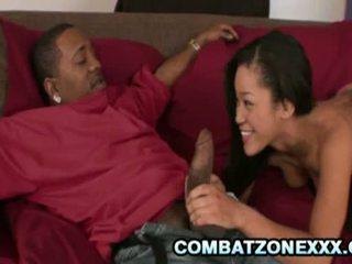 Combat zona xxx: jayla starr scopata da enorme cazzo