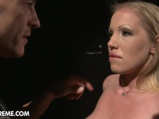 plezier piercings actie, getatoeëerd, gapende porno