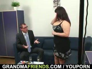 Зріла жирний gets nailed по two dicks