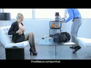 Puremature julia anns sexuální obchod setkání