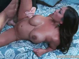 Ontzagwekkend sexy lichaam groot boobed slet priya