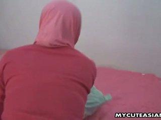 漂亮 阿拉伯 孩儿 being 性交 所以 硬 在 她的 的阴户.