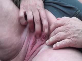BBW mature fucks her cunt with a dildo