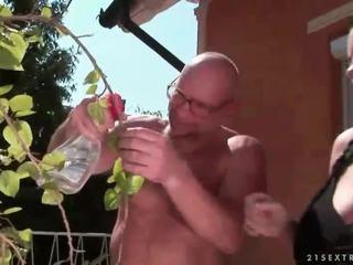 בר מזל סבא fucks חזה גדול נוער נערה