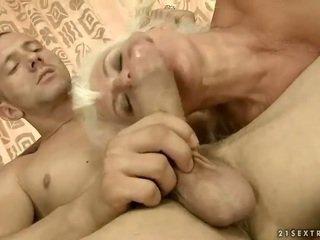 Lusty nonnina gets scopata carina difficile
