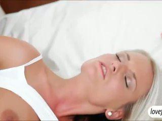 Sizzlin seksi buah dada besar babe jessie jazz steamy seks setelah bath