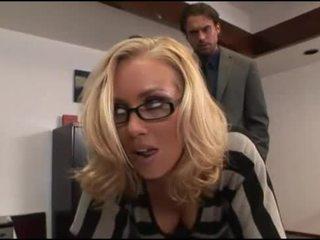 Nicole aniston büro