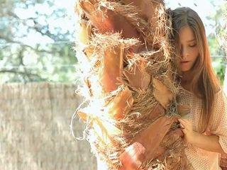 Ekzotika beauty guerlain shows off her assets