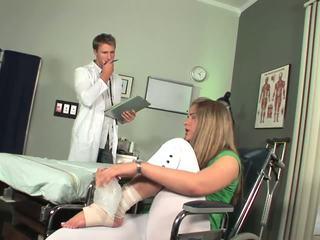 Disabled nena aperturas a sentir toe chupando