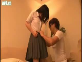 Jepang pelajar putri diperlakukan tidak baik tua orang
