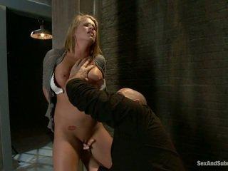 Młody blondynka aiden aspen gets humiliated