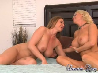 Devon Lee And Diamond Foxxx Finger Fucking On Ottoman