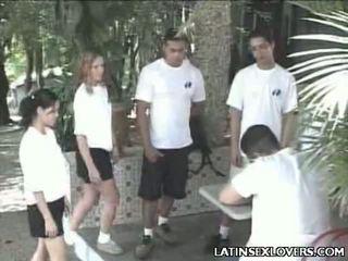 Karštas lotynų pupytė paaugliai kietas dulkinimasis
