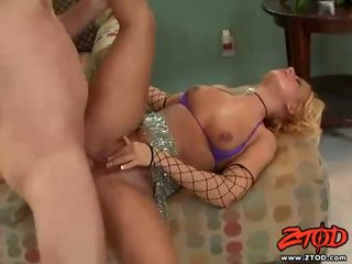 Honey Dejour Takes Loads Of Warm Jizz On Her Mouth