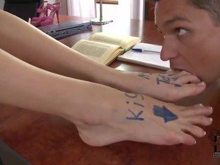 Samia duarte klasė masturbavimas pėdomis