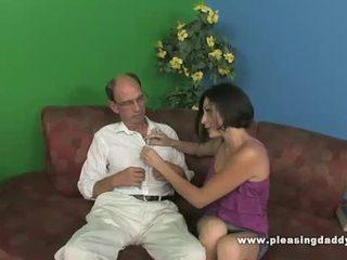 褐发女郎 青少年 uses 她的 的阴户 到 relief 他的 stress