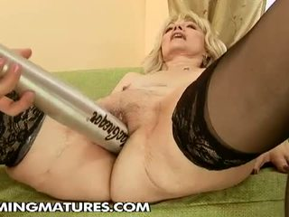 Cumming Matures: Young horny lesbian likes them old